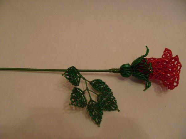 розы из бисера.